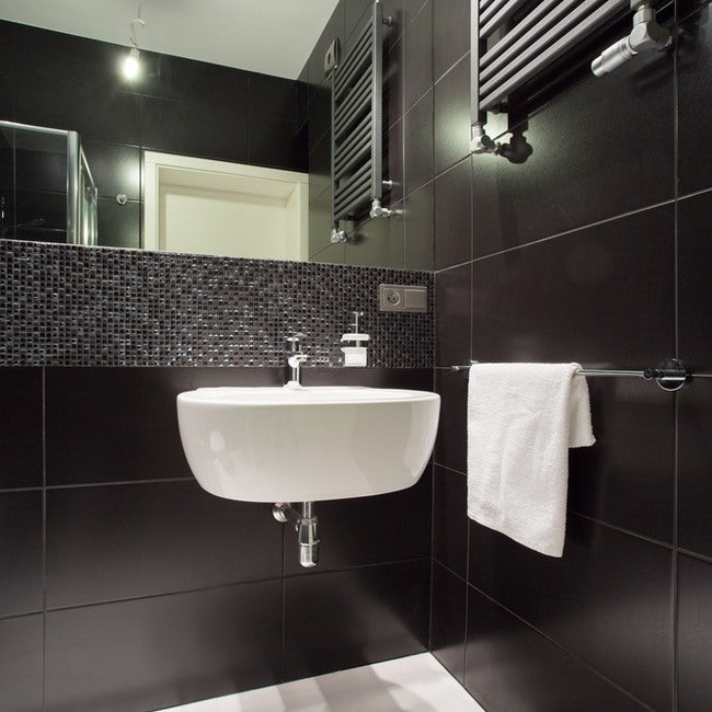 Black Bathroom Ideas