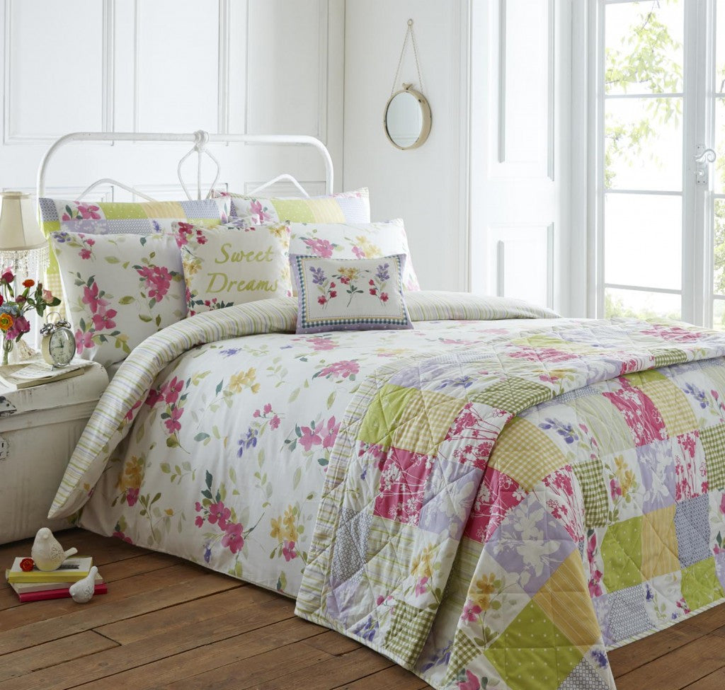 Palonia Bedding Fuschia