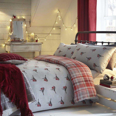 Red robin design on grey bedding