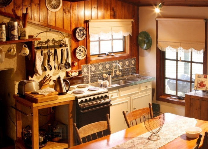 Cosy Kitchen With Traditional Blinds