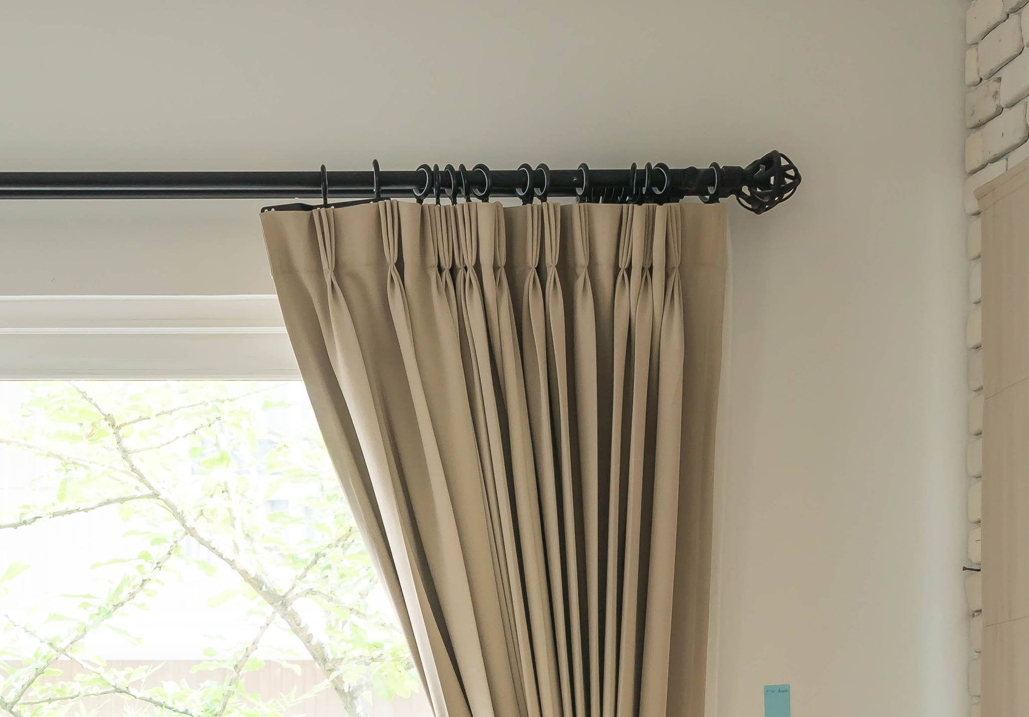 Eyelet Curtain Pole And Curtain