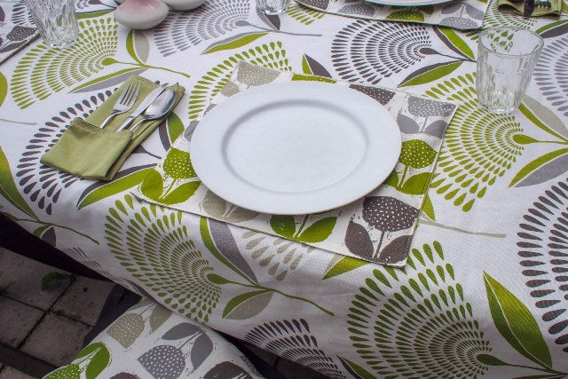 DIY fabric place mats and tablecloth