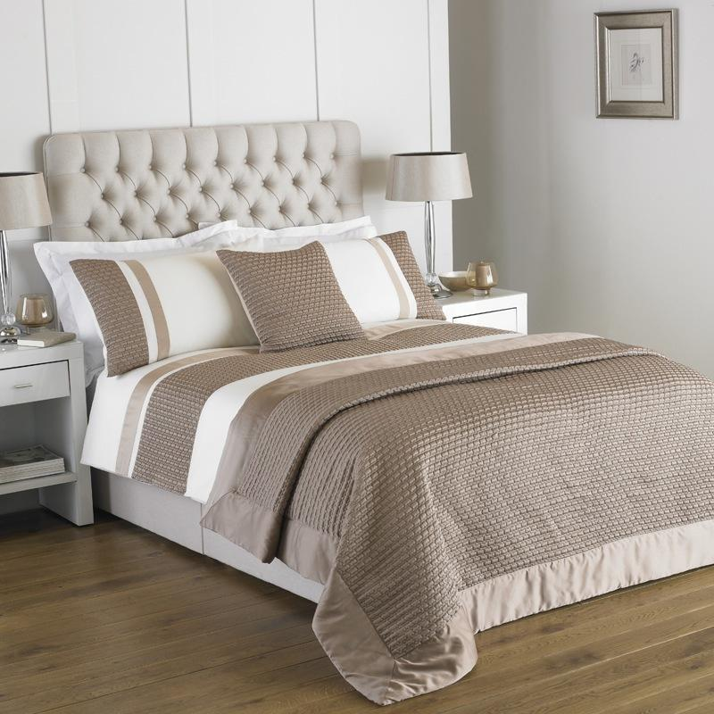 Riva Bedding Honeycomb Bedding Gold Picture