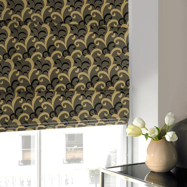 Lincoln Roman Blind Black