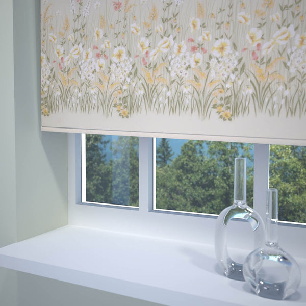 Meadow Roller Blind Blossom