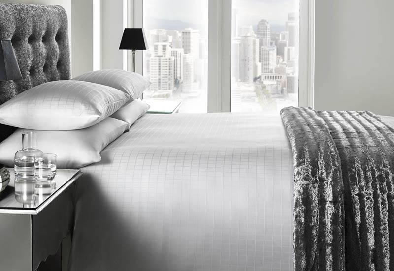 J Rosenthal Bedding Romano Luxury 200 Thread Count Hotel Bedding White Picture