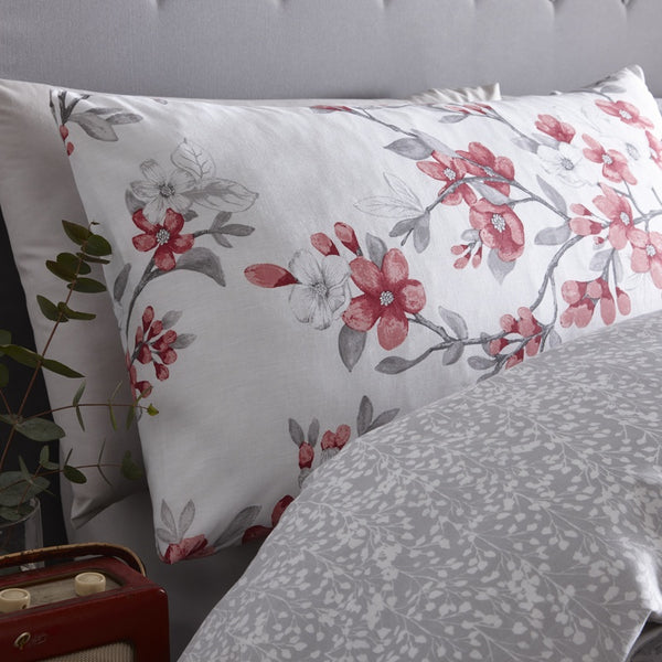 Suki Bedding Set Red