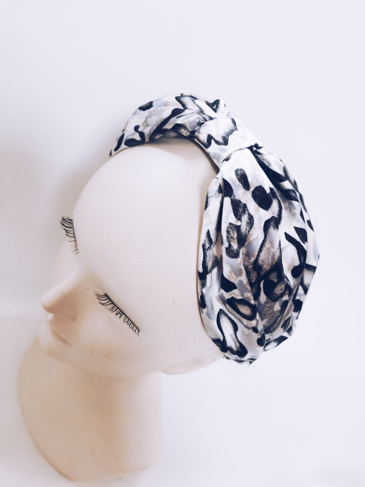 Silk pinched top headband - Grey leopard- OCCASIONS RANGE