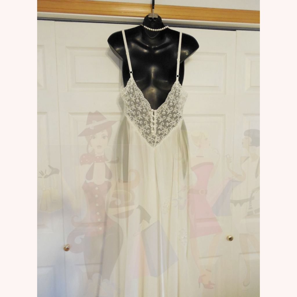 Victoria\'s Secret Ivory Sheer/Lace/Button Back Nightgown/Gowns M