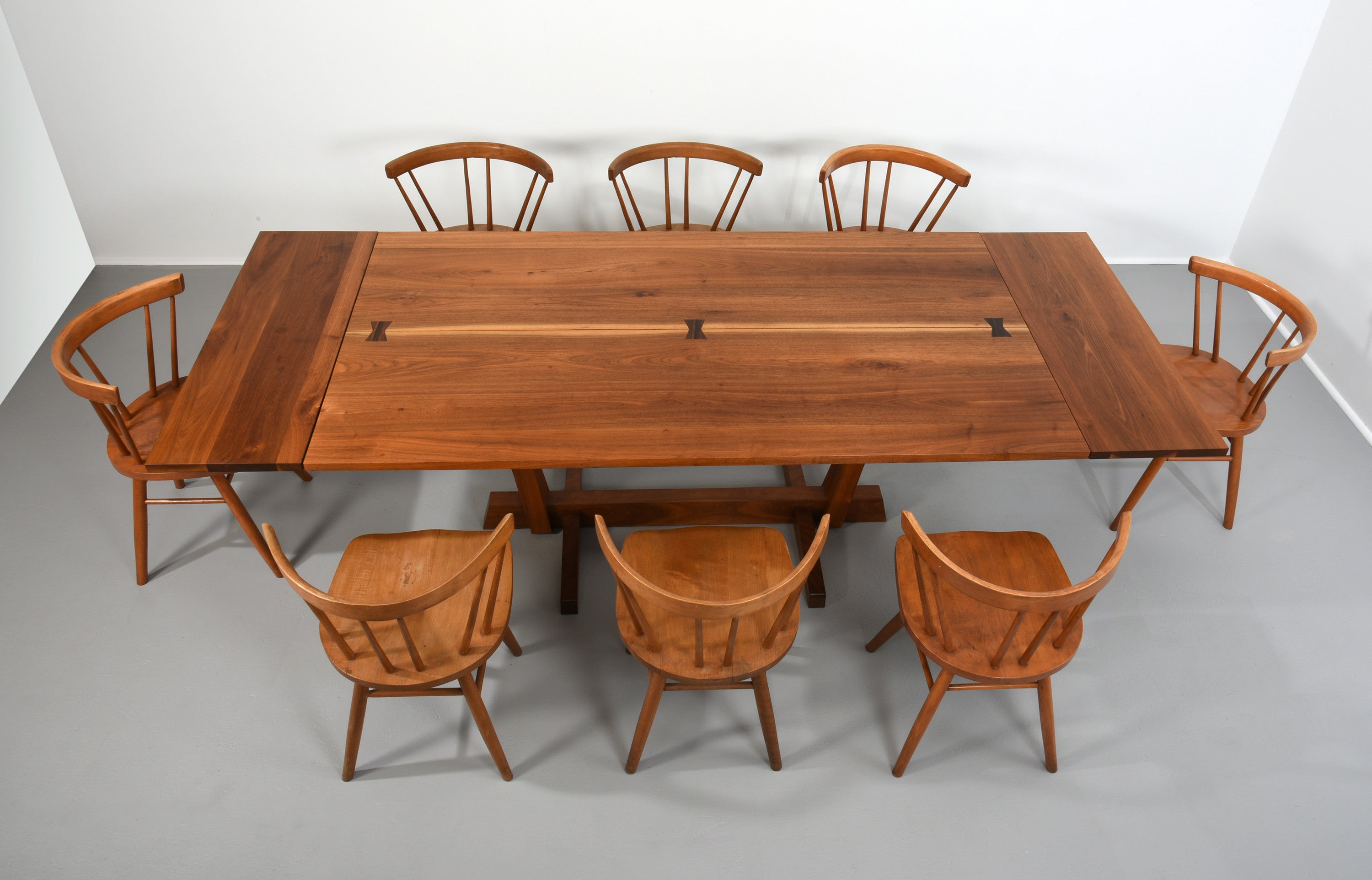 George Nakashima Conoid Dining Table in Walnut and Rosewood – The