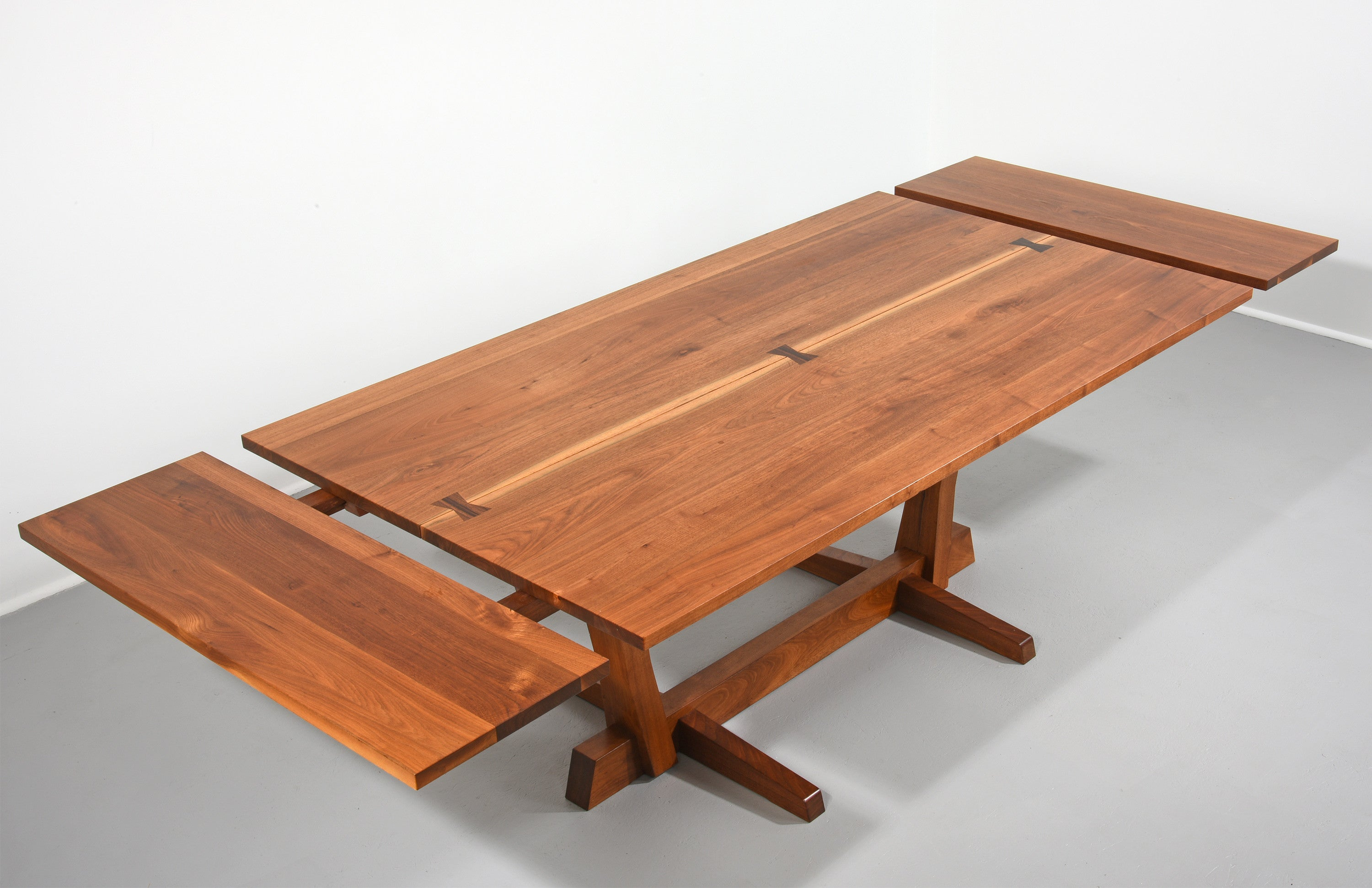 ... George Nakashima Conoid Dining Table In Walnut And Rosewood, 1970s    The Exchange Int ...