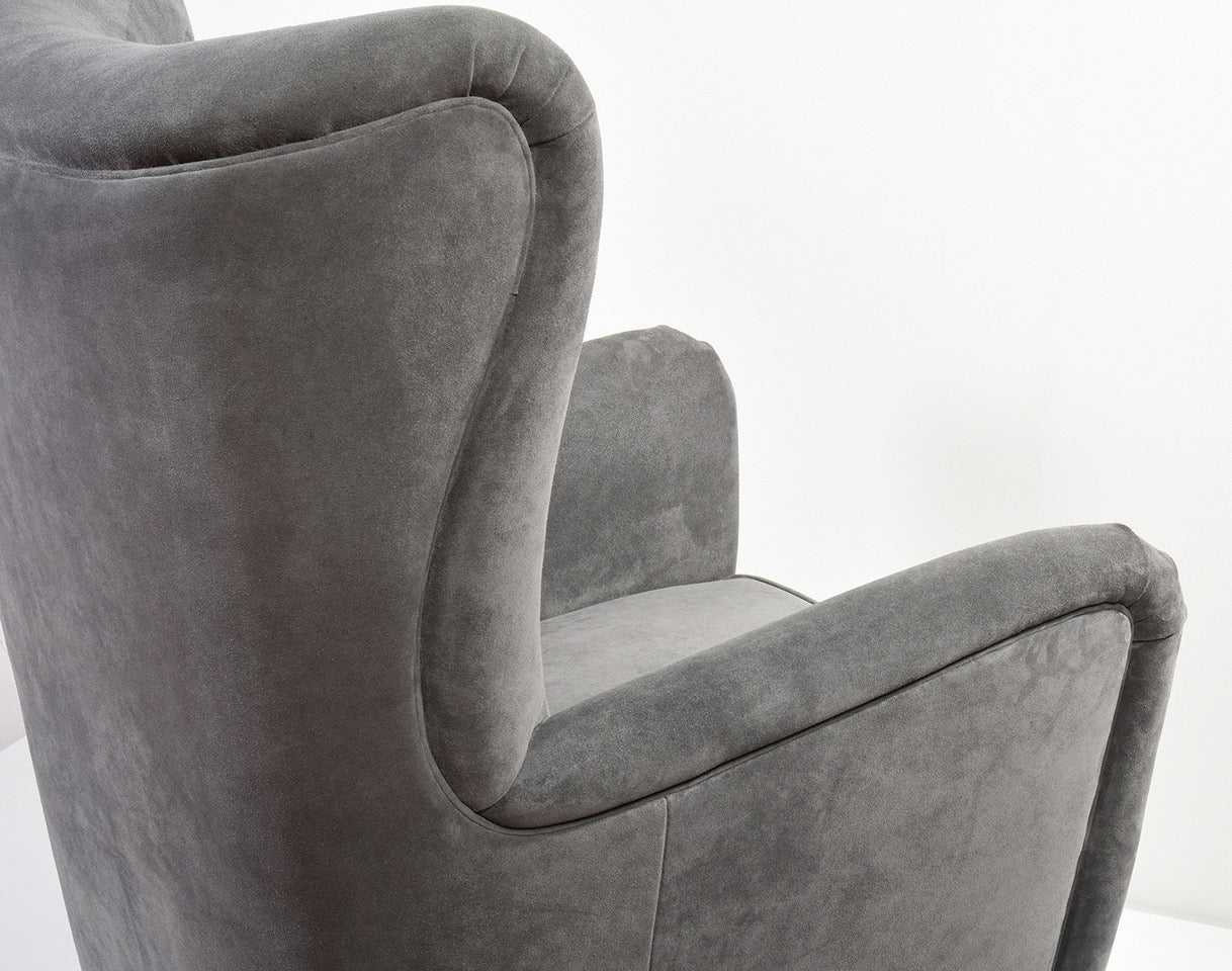 Fritz Hansen Wingback Chair, Model 1672, 1940s - The Exchange Int