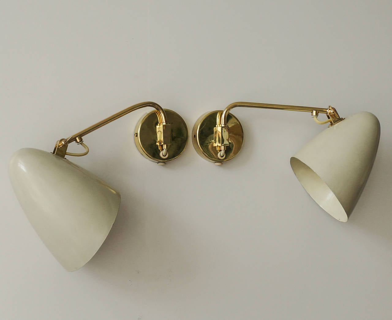 Paavo Tynell, Pair of Adjustable Sconces, Idman Oy, 1950s - The Exchange Int
