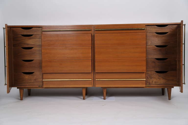 Bertha Schaefer Custom Cabinets for Singer & Sons, Italian Walnut, 1952 - The Exchange Int