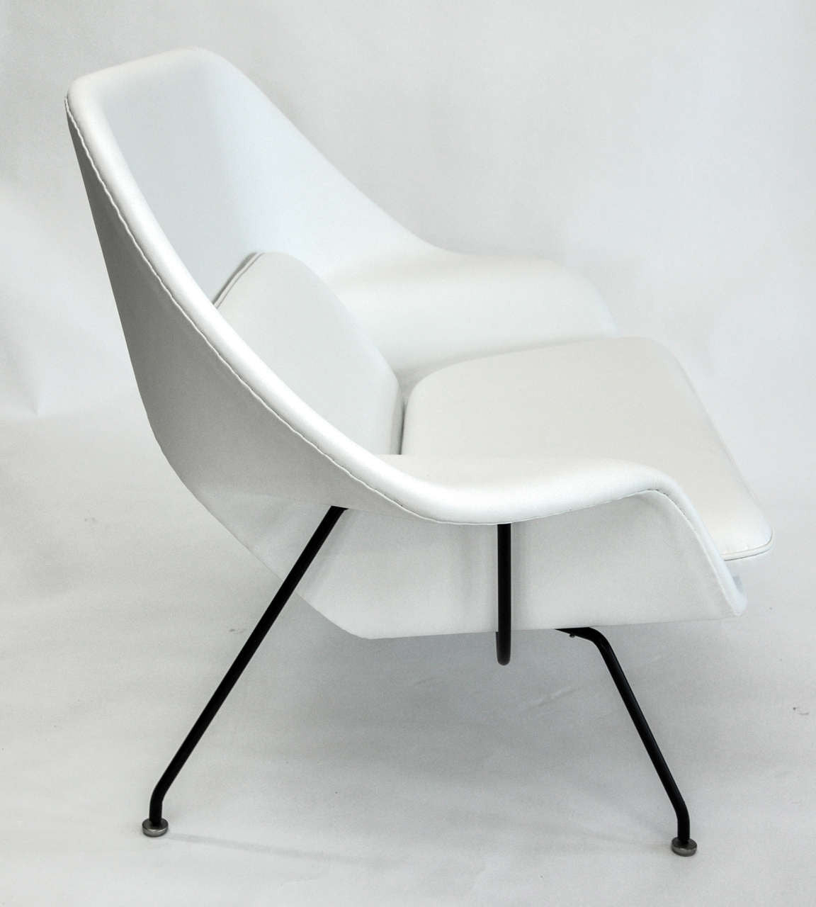 Womb Settee by Eero Saarinen for Knoll - The Exchange Int