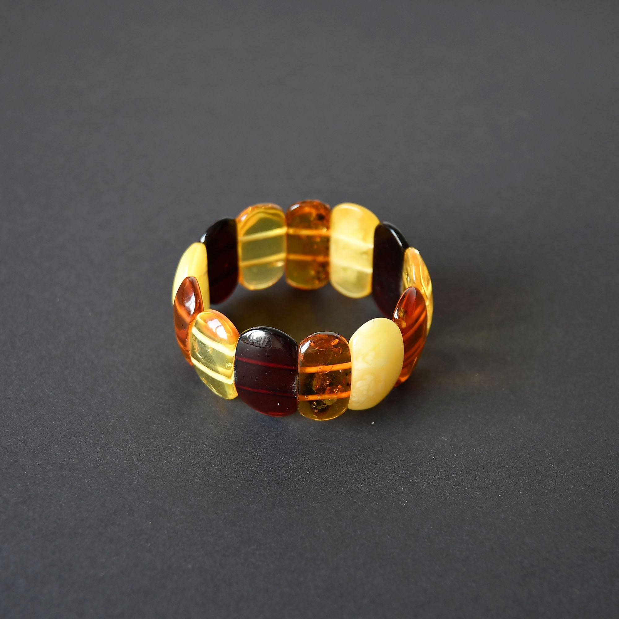 Multicolour amber bracelet of a classic form