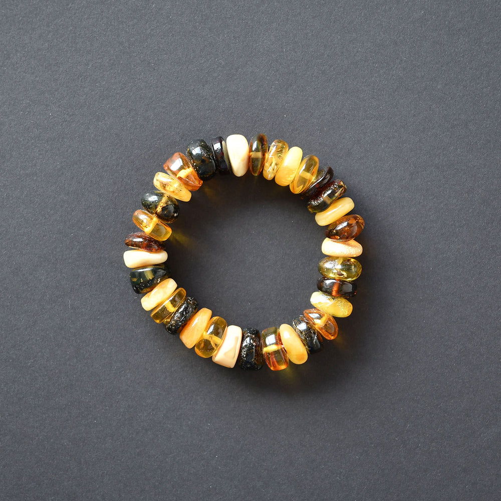 Bracelet of amber stones in the form of tablets on elastic band