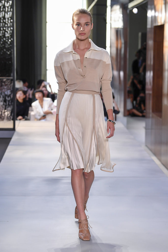 Get the look of Burberry Spring Ready-to-Wear 19 from Clayton Gray Home