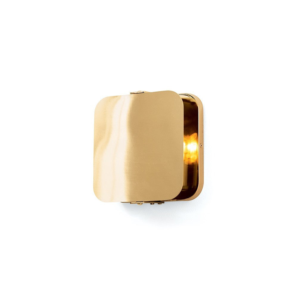 Arteriors home mercury wall sconce close up polished brass windsor smith modern DS49002