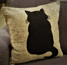 "Handmade Cushion Cover in Hand Felted Wool - Cat on Gray - 20"" - Arcadia Home"