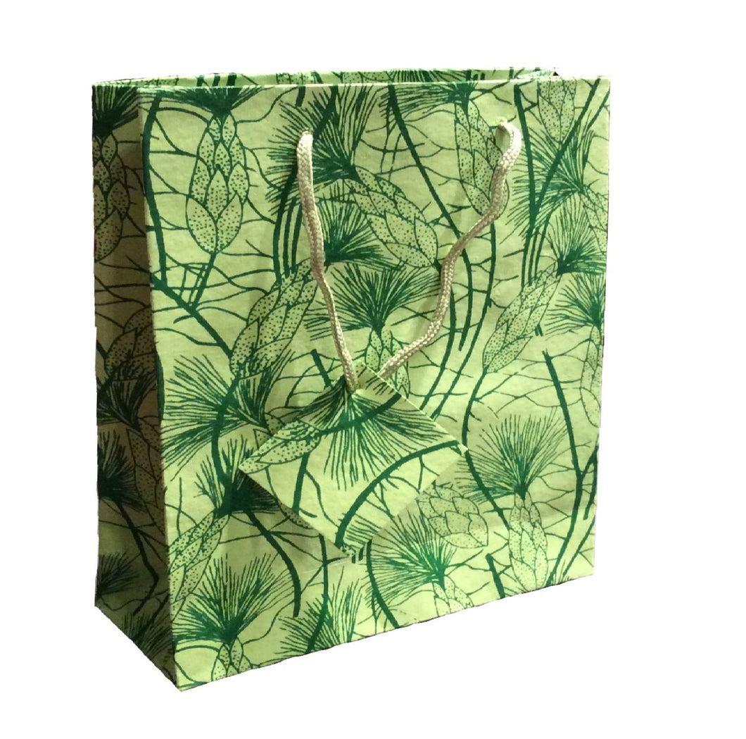 Set of Six Recycled Cotton Gift Bags with Tag in Green Beach Grass Design