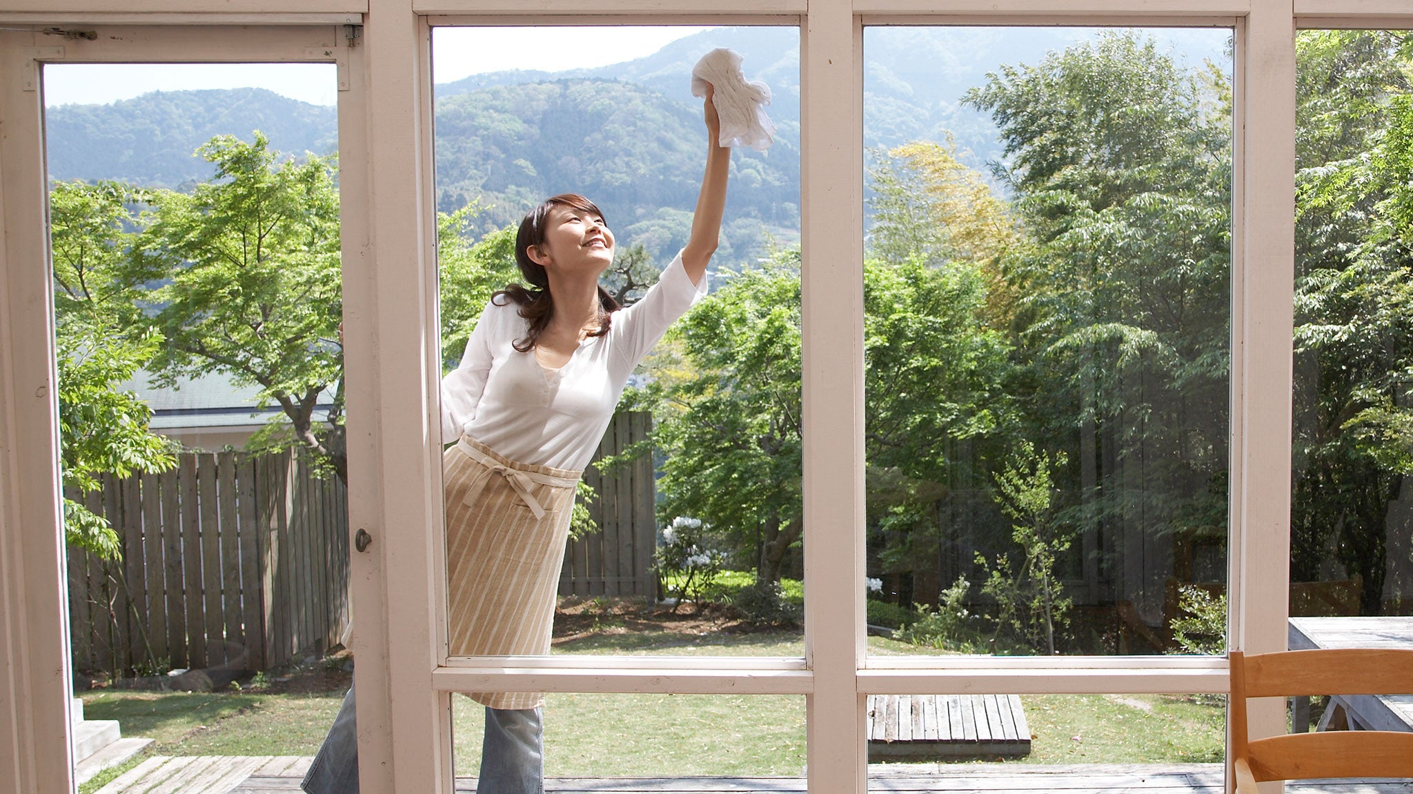 How to clean your exterior windows with jude s jude 39 s - Best cloth for cleaning windows ...
