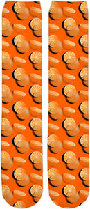 Oranges seamles pattern knee high socks, orange fruits themed fashion accessories