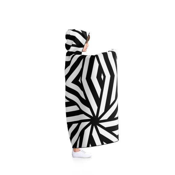 Hooded Blanket - Geometric black and white lines pattern