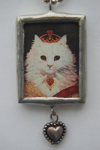 Art Collage Pendant - Queen Of Hearts