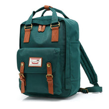 Classic Original Kanken Women's Fashion Backpack .  What a classy backpack!