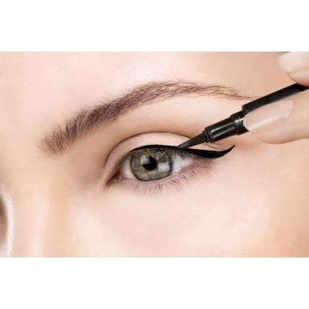 Eyeliner Embroidery for 1 person - Effortless