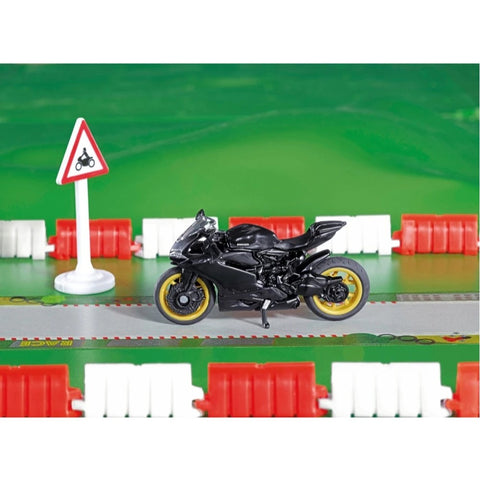 Ducati Panigale 1299 With 5m Road Tape 1601