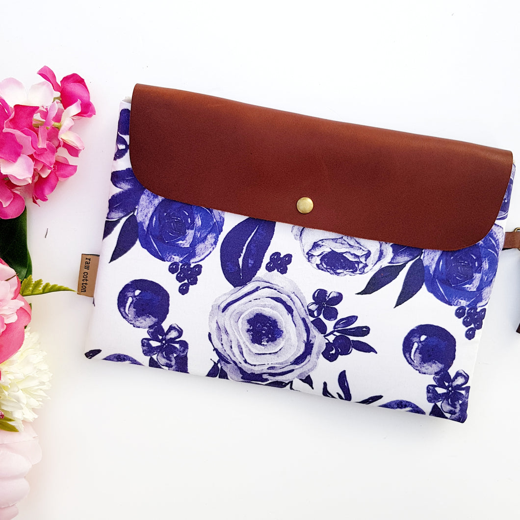 Navy floral medium clutch