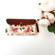 Peachy medium clutch