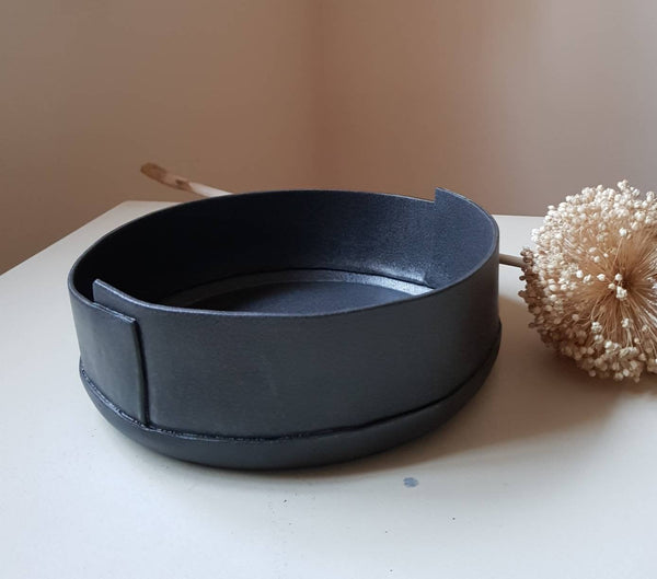 Modern Black Ceramic Serving Bowl - ShellyClayspot