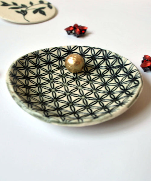 Flower Of Life Ring Dish Black & White Ring Holder - ShellyClayspot