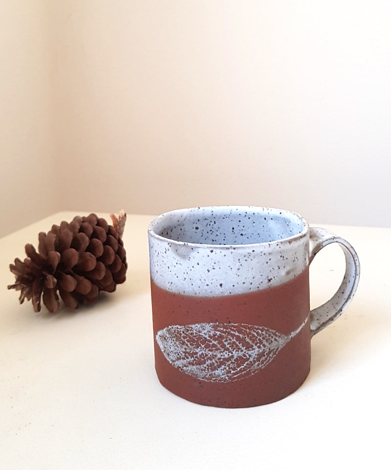 Small leaf mug - Shellyclayspot