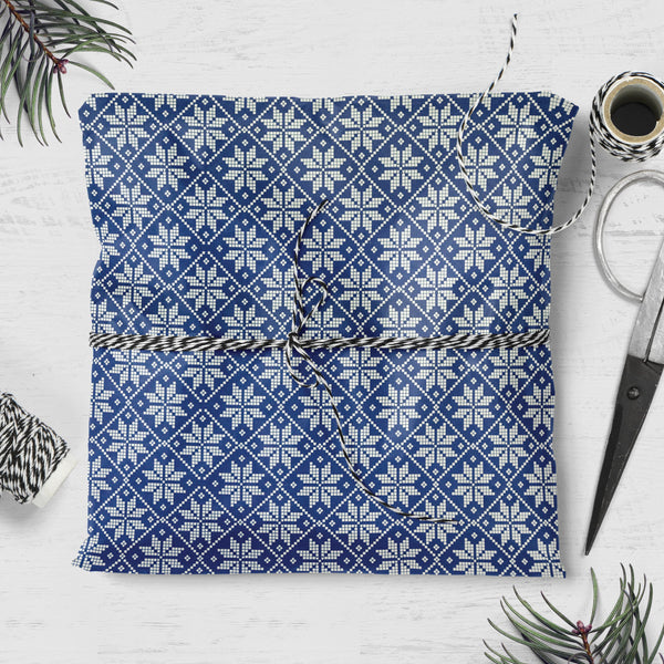 Snowflake & Dotty Pattern Double Sided Christmas Gift Wrap (2 sheets folded)