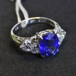 Platinium Sapphire Ring With Diamonds (Tampines)