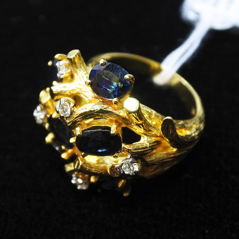 18K Yellow Gold Sapphire Ring With Diamonds (Chinatown)