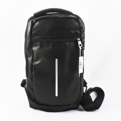BLACK USB SLINGBAG (Selected Stores)