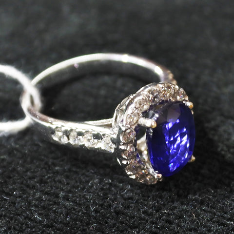 750 White Gold Sapphire Ring With Diamonds (Kallang Bahru)