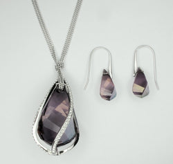 ONLY AVAILABLE AT OUR BEDOK OUTLET - Swarovski Crystal Jewellery Set