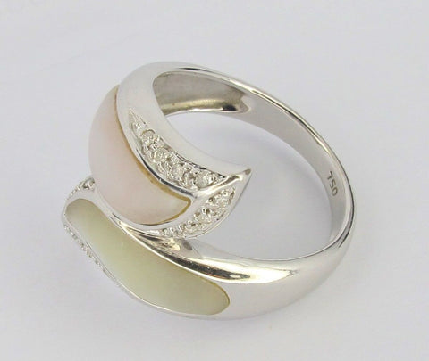 ONLY AVAILABLE AT OUR BEDOK OUTLET - WHITE GOLD RING