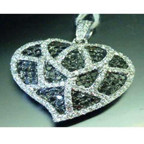 ONLY AVAILABLE OFFLINE - Heart shaped diamond pendant