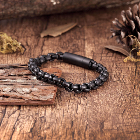 Contemporary Men's Bracelet – Rolo Chain Design in a Polished Onyx Black Finish – Made of Rust & Discoloration Resistant Stainless Steel – Jewelry Gift or Accessory for Men