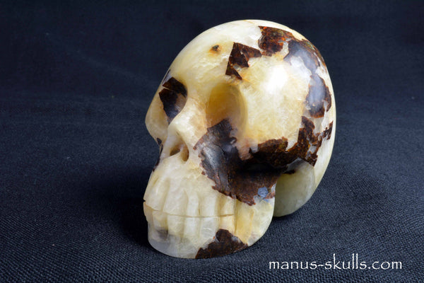 CRYOLITE Skull ... NEW!