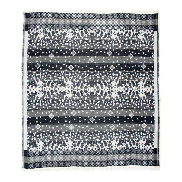 Moe's Home Collection Allfresco Throw Light Grey - OX-1021-29