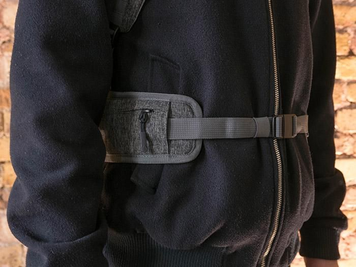 A clip on waist for extra comfort and one more pocket.