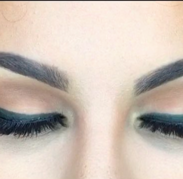 How To: Perfect Winged Liner